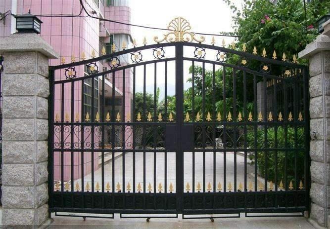 别墅院子大门变形怎么办? 包头铁艺厂家这么认为
