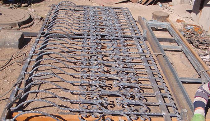 铁艺防护窗生产