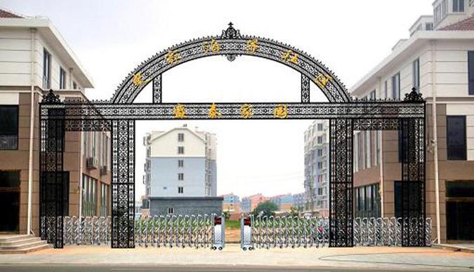 厂房铁艺楼门