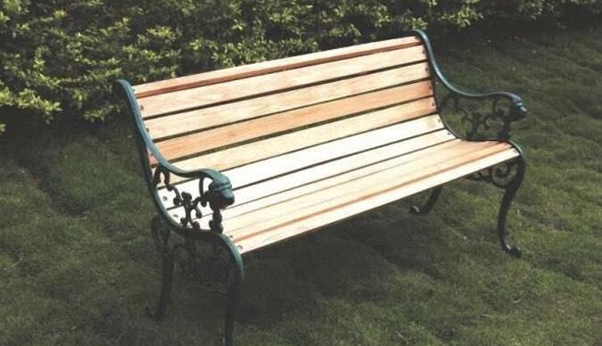 金属公园椅