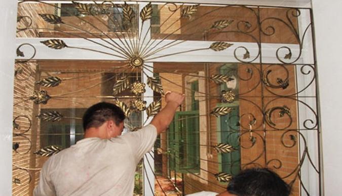 铁质防护窗